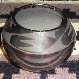DR 230 Marie and Santana Bear Paw Black Ware Bowl