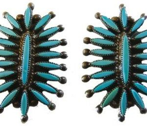 DR 1197 Classic Zuni Needlepoint Earrings