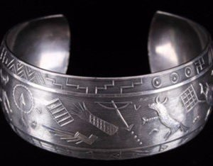 DR 166 Pictorial Cuff