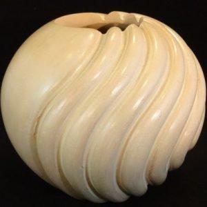 DR 2075 Dominique Tan Swirl Pot