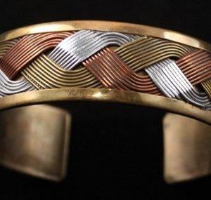DR 149 Tri-color Metal Bracelet