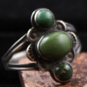 DR 1107 Vintage Cerillos Turquoise Three Stone Ring