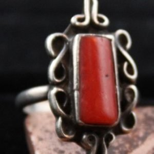 DR 1165 Coral Scroll Design Ring
