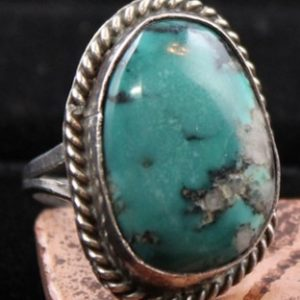 DR 175 Turquoise Cabochon Ring